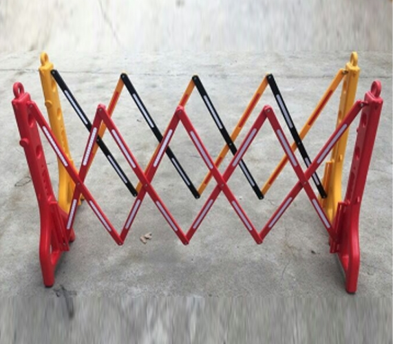 塑料伸缩护栏